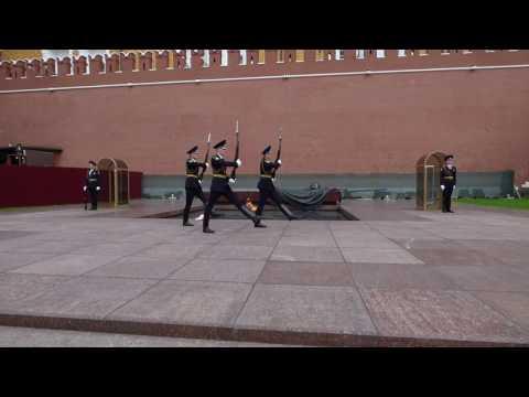 CAMBIO DELLA GUARDIA al Cremlino  Spettacorare