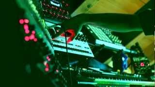 Hawkeye - There is Room in the Sky (Live C64 SID vs Elektron Machinedrum vs Yamaha FS1R)