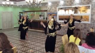 Фольклорный танец с тростью Саиди