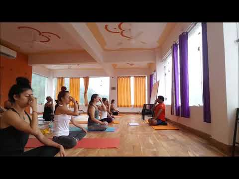 Sivananda Yoga teachers training for beginners and advanced practitioners | Part 1 - 33 Min