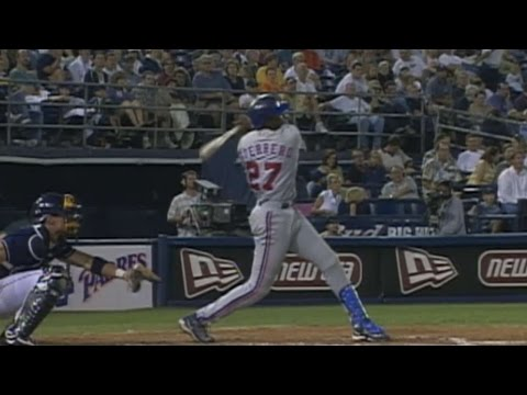 Guerrero slugs 30th home run of 2001 season