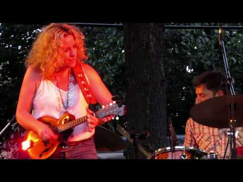 "Amy Helm With Cindy Cashdollar ""Atlantic City"" Live In Woodbridge NJ"