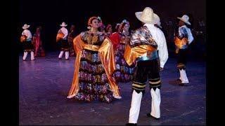 El rascapetate (con pasos). Baile folcklorico del estado de Chiapas, México.