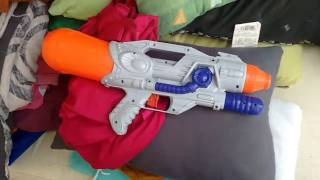 Como usar pistola de agua.