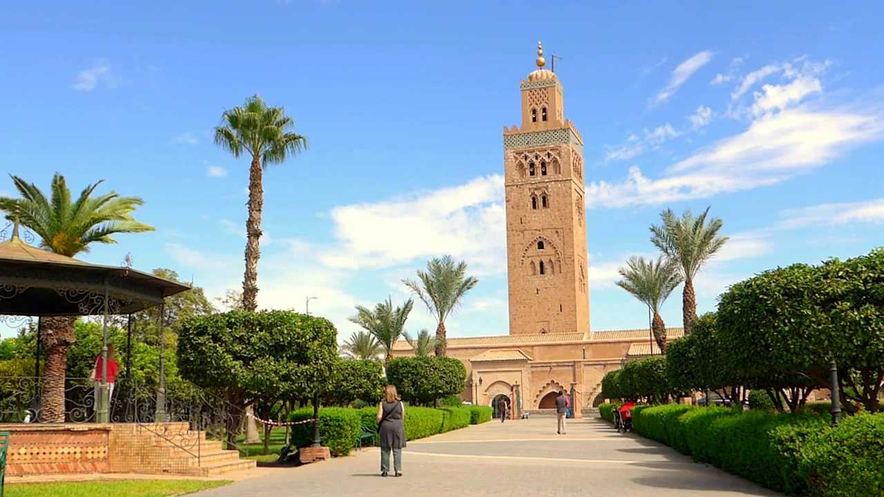 call to prayer koutoubia mosque marrakesh morocco. Black Bedroom Furniture Sets. Home Design Ideas