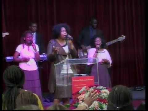 Zondag Service 28-06-2015 met Pastors Jerry & Xannelou Mendeszoon part 1/2