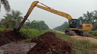 Excavator longarm