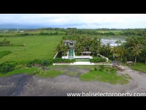 Absolute Beachfront Villa For Sale in Bali