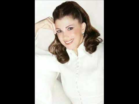 Majida El Roumi / bl alb