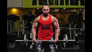 RUSSIAN TWIN OF LAZAR ANGELOV PUMPING UP HIS INSANE MUSCLES