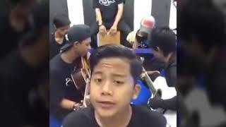 podo elingo ,laoneis band