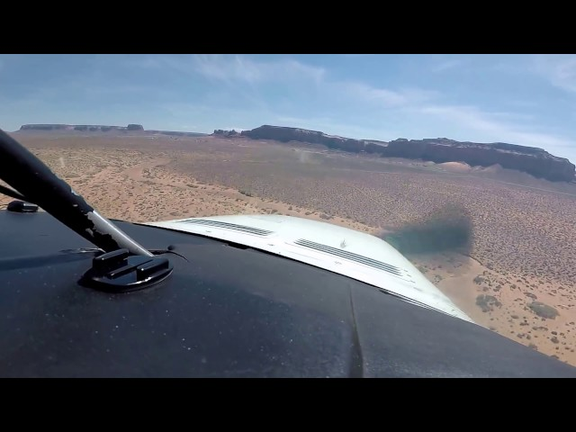 Landing at Monument Valley Airport (UT25)