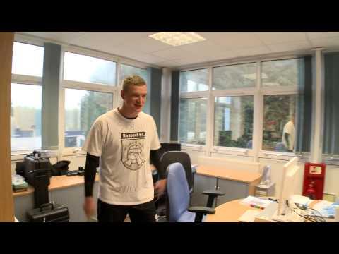 FUNNY John Guidetti wears Zlatan Ibrahimovic t-shirt