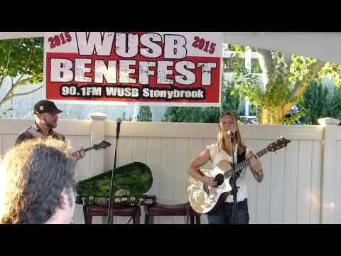 Katie Pearlman WUSB Benefest 8-22-15_002