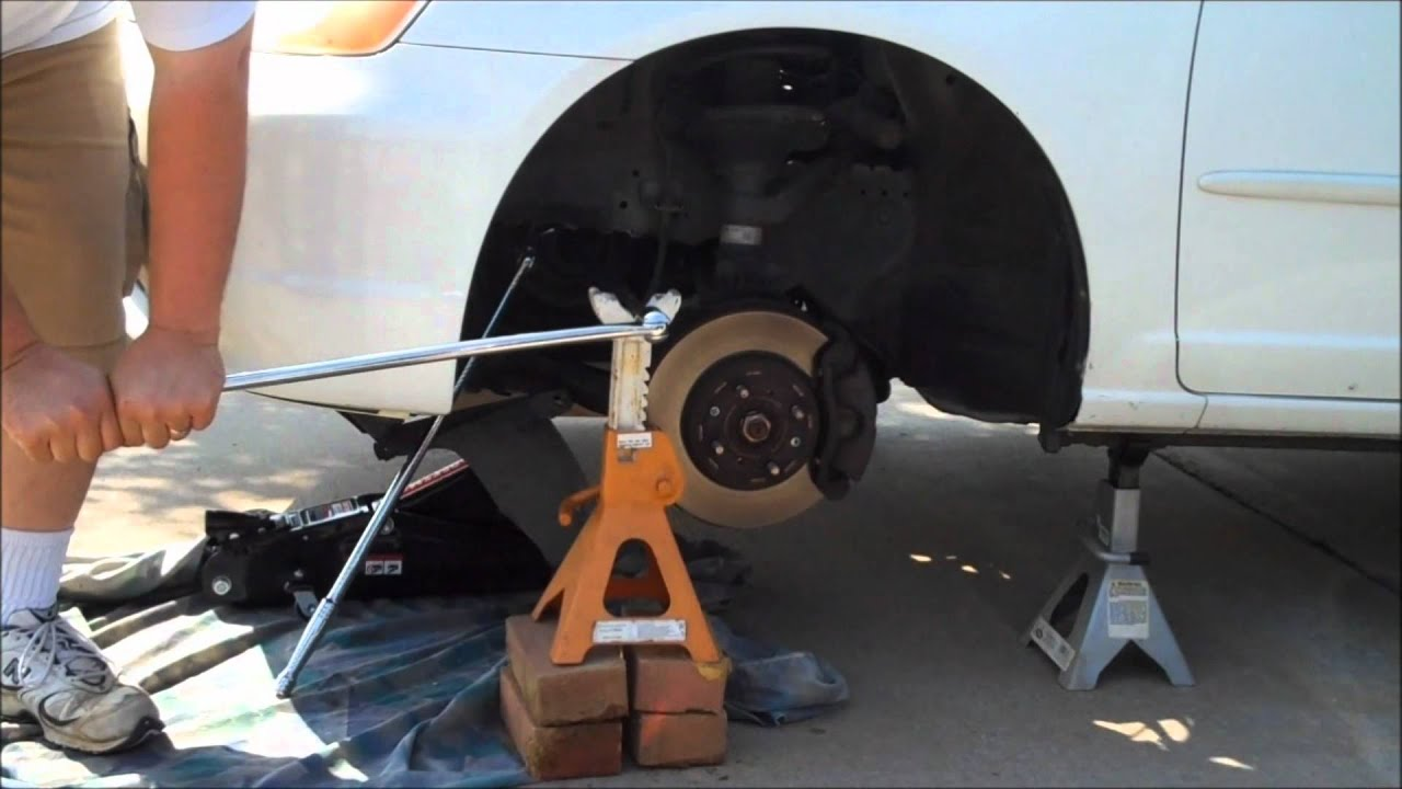 honda crank bolt harmonic balancer removal diy [ 1280 x 720 Pixel ]