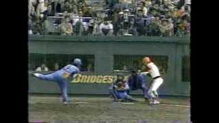 1986年 広島vs西武 日本シリーズ第8戦 広島の山本浩二はこの試合を最後...