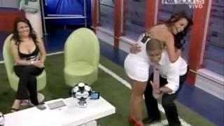 Repeat youtube video Larissa Riquelme HOT