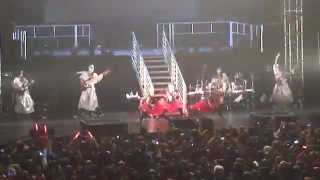 Babymetal performing Catch Me If You Can 11-4-2014 @ Hammerstein Ba...
