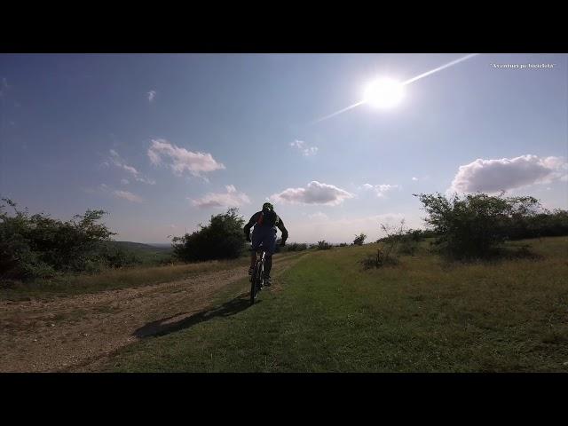 Aventuri pe bicicleta : Pedala pe deal