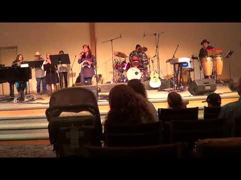 Glad Tidings Worship Team - Singing - Gracefully Broken