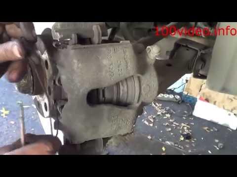 Замена переднего тормозного диска Opel Astra