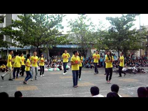 Thể Dục Đồng Diễn-12A8 [Gia Định - 2009.2012]