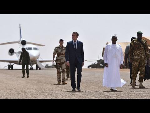 Emmanuel Macron déterminé à poursuivre l'engagement militaire au Mali