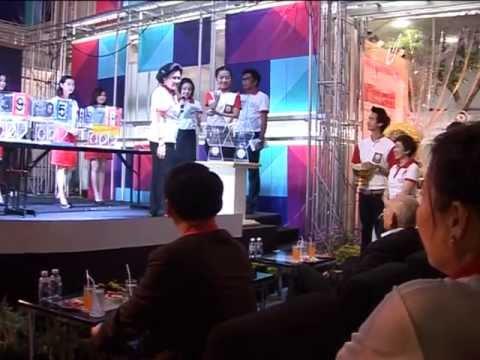 เลขาธิการสภากาชาดไทย จับสลากรางวัล มอบโชคแก่ประชาชน