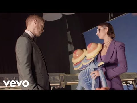Calvin Harris, Dua Lipa - One Kiss (Behind the Scenes)