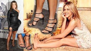 Jennifer Aniston feet barefoot piedi nudi