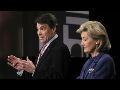 Rick Perry Attacks Mitt Romney in New Ad