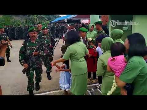 VIDEO Bikin Haru, Saat 350 Prajurit TNI Pulang Dari Tugas Mengamankan Perbatasan RI