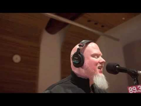 Brother Ali - Live Freestyle On The Mix Chronicles