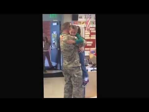 Soldier surprises his daughter after 8 months in Afghanistan one week before Christmas!!!
