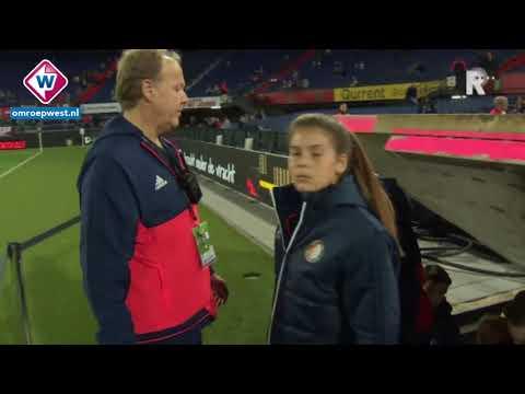 Chris (13) uit Sassenheim eerste ballenmeisje bij Feyenoord