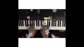 THE CHRISTMAS SONG (Robert Wells/Mel Tormé)
