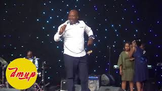 Gambar cover Sipho Makhabane UK live(four)The devil is a liar