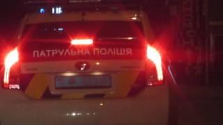 Полицейские Киева узнают цены на шлюх.