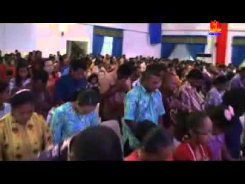KKR Pdt Gilbert Lumoindong di Raja Ampat Papua Barat 20 12 2013