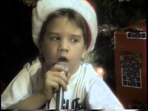Derek sings Im Gettin Nuttin for Christmas