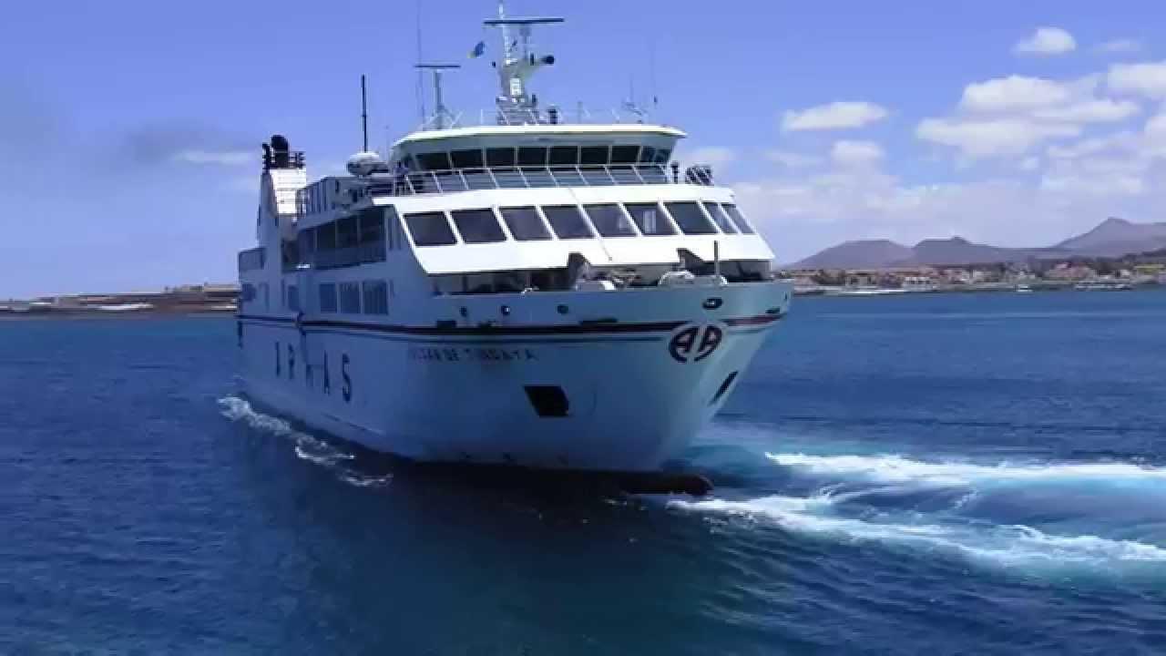 Naviera armas ferry starting from corralejo to lanzarote for Oficina armas lanzarote
