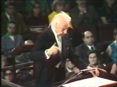 Bach: Toccata & Fugue in D minor - Stokowski at 90