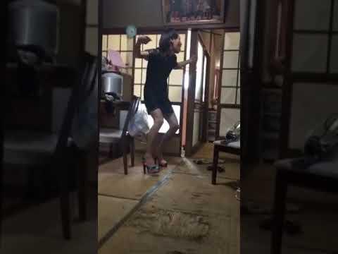 朝から友達の家で女性に変装して倖田來未のキュティーハニーを踊ってみた