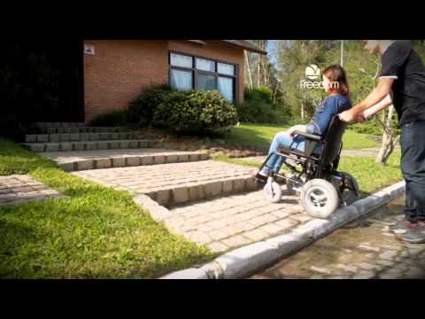 Vídeo do produto Cadeira de Rodas Motorizada Compact CM13 Freedom