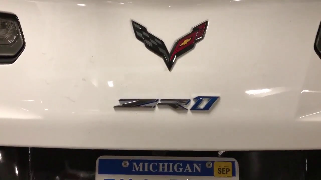 Corvette C7 Zr1 >> 2019 C7 ZR1 Corvette In Ceramic White Sighting - YouTube