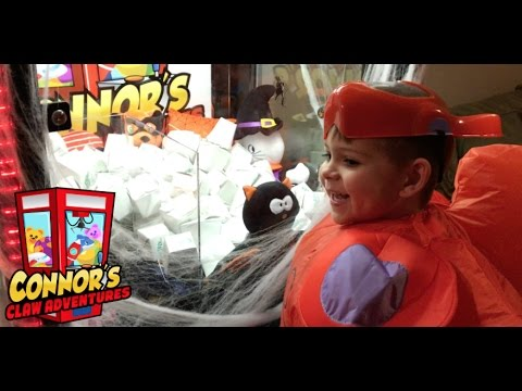 👻Halloween Claw Machine Full of Blind Boxes!! What's in the boxes?👻