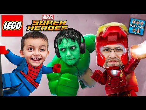 Vamos Jogar LEGO MARVEL SUPER HEROES HULK SPIDERMAN HOMEM DE FERRO Vs HOMEM AREIA!! Family Plays