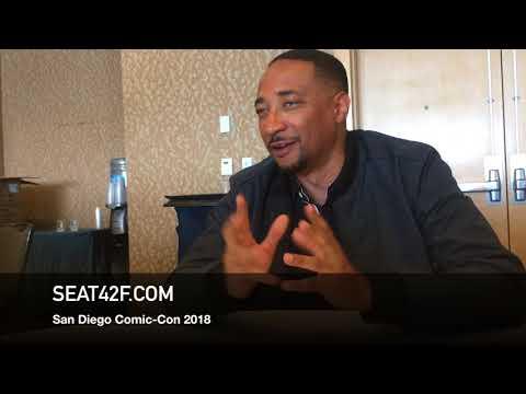 Damon Gupton BLACK LIGHTNING Comic Con 2018 Interview streaming vf