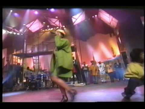 Queen Latifah - Latifah's Had It Up 2 Here (Live)