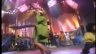 Queen Latifah - Latifah's Had It Up 2 Here (Live)